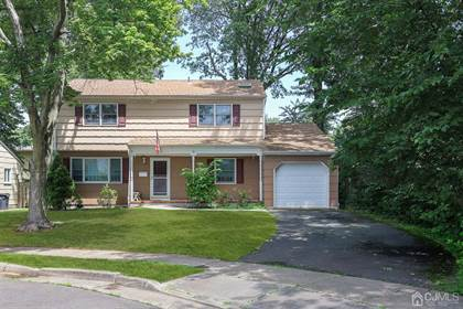 Residential Property for sale in 18 GINESI Court, Metuchen, NJ, 08840
