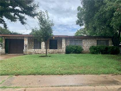 Residential for sale in 1304 Highland Ave, Rockdale, TX, 76567