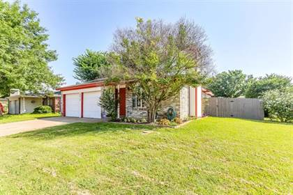 Residential for sale in 4917 Highbank Drive, Arlington, TX, 76018