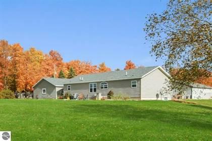 Residential for sale in 16037 Lemon Road, Thompsonville, MI, 49683