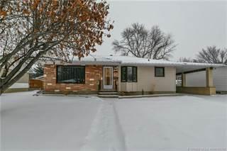 Residential Property for sale in 1443 7 Avenue NE, Medicine Hat, Alberta, T1A 6E3