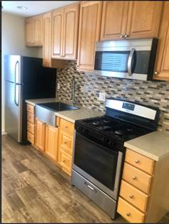 Apartment for rent in 908 W 74th St, Los Angeles, CA, 90044