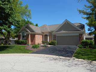 Photo of 12 Canterbury Court, Lake in the Hills, IL