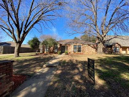 Residential for sale in 503 Hinsdale Drive, Arlington, TX, 76006