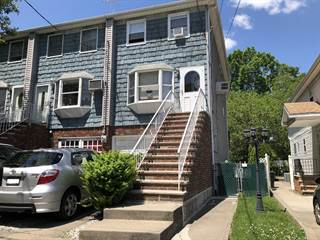 Townhouse for sale in 900 Elbe Avenue, Staten Island, NY, 10304