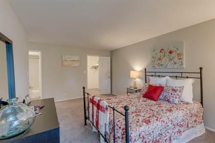 Apartment for rent in 27517 Gateway Dr E, Farmington Hills, MI, 48334