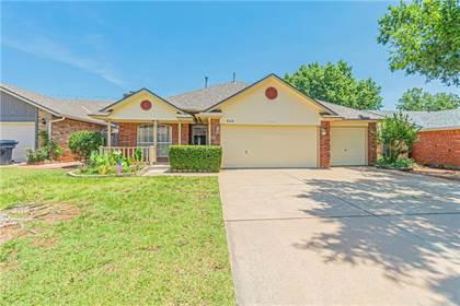 Residential for sale in 8408 Wilshire Ridge Drive, Oklahoma City, OK, 73132