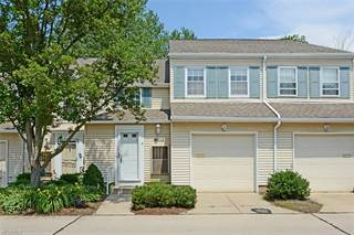 Townhouse for sale in 1697 Walnut Ln 19, Rocky River, OH, 44116