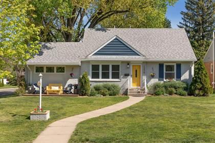 Residential for sale in 1275 Shryer Avenue W, Roseville, MN, 55113
