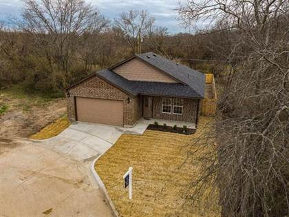 Residential for sale in 1344 E Fogg Street, Fort Worth, TX, 76115