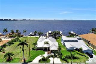 Single Family for sale in 1040 Dolphin DR, Cape Coral, FL, 33904
