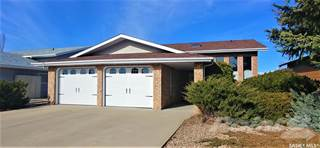 Residential Property for sale in 38 Harrigan CRESCENT, Maple Creek, Saskatchewan, S0N 1N0
