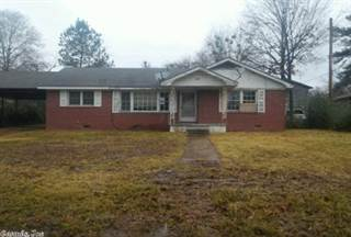 House for sale in 708 W 2nd Street, Fordyce, AR, 71742
