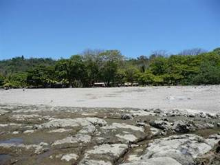 Residential Property for sale in AMAZING PRICE ON BEACHFRONT PROPERTY WITH CABINAS!!! 1080, Santa Teresa, Puntarenas