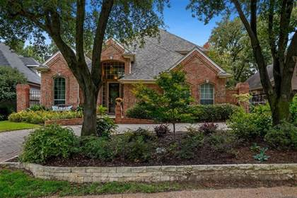 Residential for sale in 2112 Royal Dominion Court, Arlington, TX, 76006