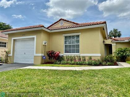 Residential Property for sale in 17970 SW 11th Ct, Pembroke Pines, FL, 33029