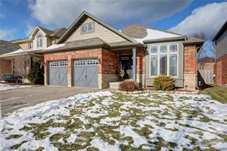 Residential Property for sale in 68 SUMNER Crescent, Grimsby, Ontario