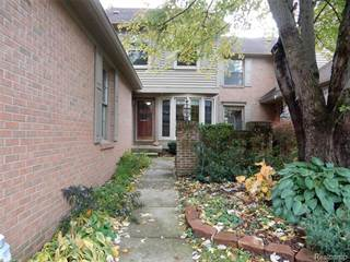 Condo for rent in 4556 GOLF VIEW Drive 62, Brighton, MI, 48116