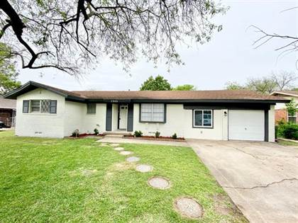 Residential for sale in 1303 Valley View Drive, Arlington, TX, 76010