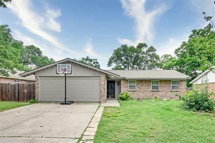 Residential for sale in 1313 Montclair Street, Arlington, TX, 76015