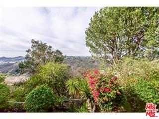Condo for sale in 2345 ROSCOMARE Road 208, Los Angeles, CA, 90077