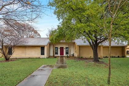 Residential for sale in 1010 Greenway Drive, Duncanville, TX, 75137