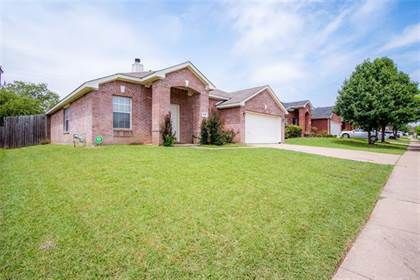 Residential Property for sale in 7018 Lake Jackson Drive, Arlington, TX, 76002