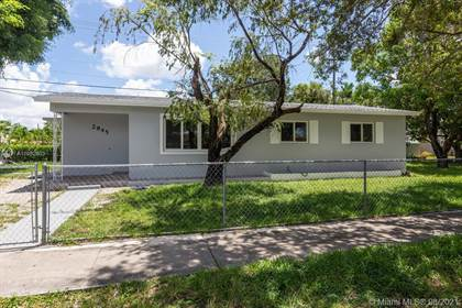 Residential for sale in 2945 SW 92nd Ave, Miami, FL, 33165