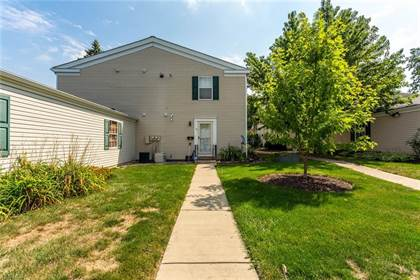 Residential for sale in 32 Valley Forge Ln, Elyria, OH, 44035