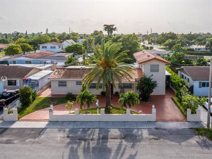 Residential for sale in 2820 SW 95th Ave, Miami, FL, 33165