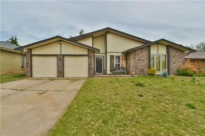 Residential for sale in 8213 Crestline Court, Oklahoma City, OK, 73132