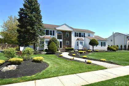 Residential Property for sale in 28 Silver Hollow Road, North Brunswick, NJ, 08902