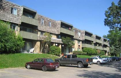 Apartment for rent in 885 W. Hwy 36, Roseville, MN, 55113