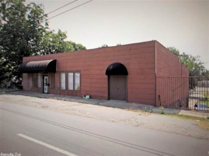 Multifamily for sale in 5016 E Broadway, North Little Rock, AR, 72117
