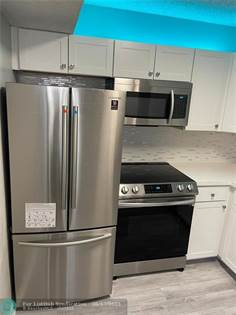 Residential Property for sale in 1112 N Hiatus Rd 1112, Pembroke Pines, FL, 33026
