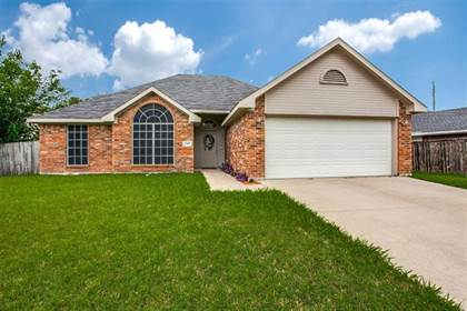 Residential for sale in 6401 Brookhaven Trail, Arlington, TX, 76001