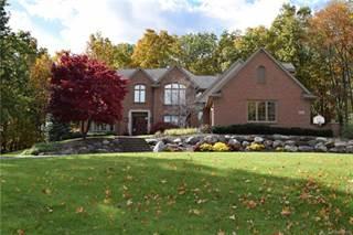 Single Family for sale in 1300 OAK HOLLOW Drive, Milford, MI, 48380