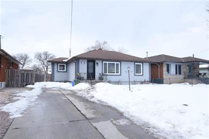 Residential Property for sale in 74 DESCHENE Avenue, Hamilton, Ontario, L9A 3J7