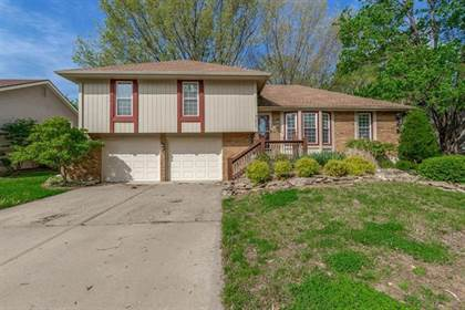 Residential for sale in 1210 Dunwich Drive, Liberty, MO, 64068