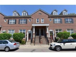 Condo for sale in 16936 FARMINGTON Road 30, Livonia, MI, 48154