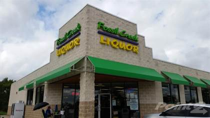 Commercial for sale in Fossil Creek Liquor 1900 Western Center Boulevard, Fort Worth, TX Cap Rate 8.33%, Fort Worth, TX, 76131