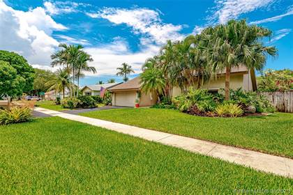 Residential Property for sale in 10133 NW 21st St, Pembroke Pines, FL, 33026