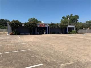 Comm/Ind for rent in 223 N Cedar Ridge Drive, Duncanville, TX, 75116