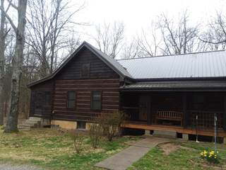 Single Family for sale in 830 Old Town Road, Stonefort, IL, 62987