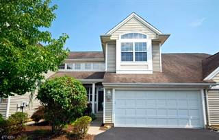 Townhouse for sale in 123 Marlboro Cir, Lopatcong Overlook, NJ, 08886