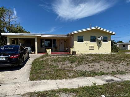 Residential for sale in 2829 SW 6th St, Fort Lauderdale, FL, 33312