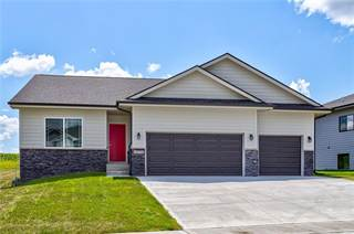Single Family for sale in 16326 Springbrook Trail, Urbandale, IA, 50323