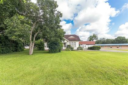 Residential Property for sale in W. Fairwinds Street, Hallettsville, TX, 77964