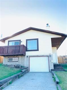 Single Family for sale in 103 Bernard  Mews NW, Calgary, Alberta, T3K2E5