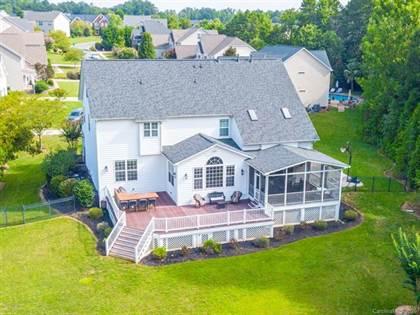 Residential Property for sale in 2015 Altara Lane, Matthews, NC, 28104